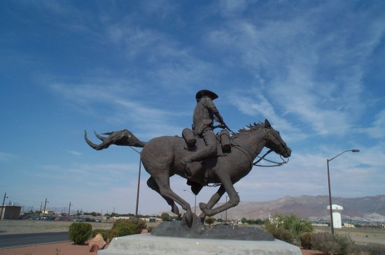 "Statue recognizing the ""Pony-Express"" mail service of the 19th Century in the Southwest of America."