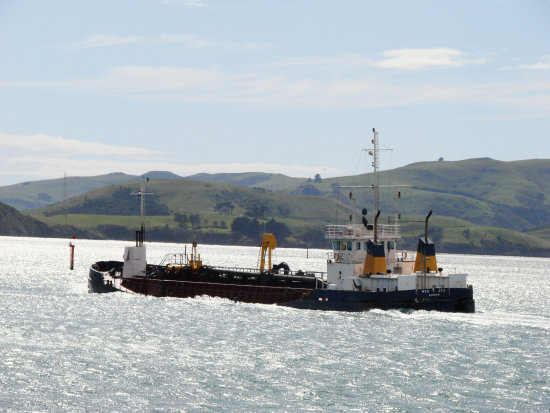 Dredge Otago Harbour Littleollie