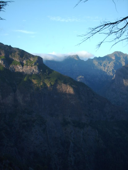 2009 portugal madeira jardimdaserra bocadacorrida mountains high valley sunset