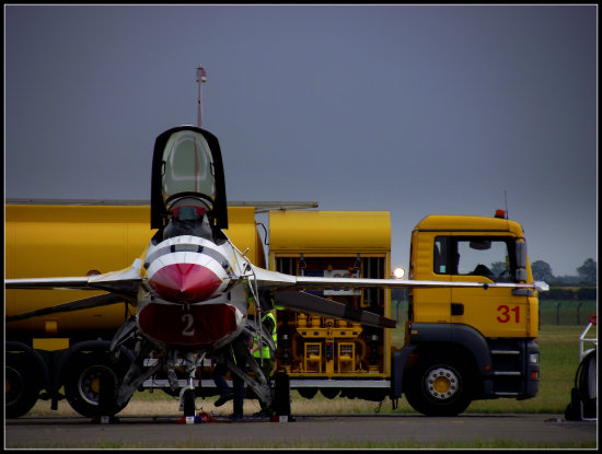 f16 refuelling waddington airshow saffi9 aircraftfriday truckfriday