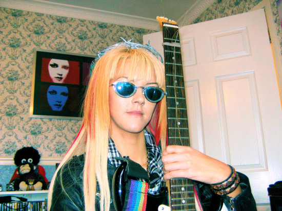sasparella girl nodel portrait guitar sunglasses
