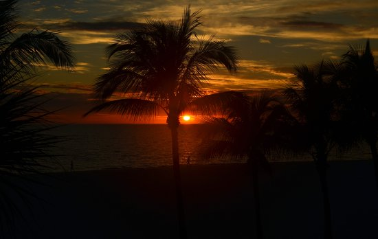 Sunset at Fort Myers Beach, Florida..;-)
