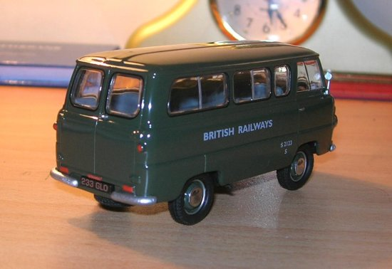 Ford thames minibus diecast oxford 143 scale car toy