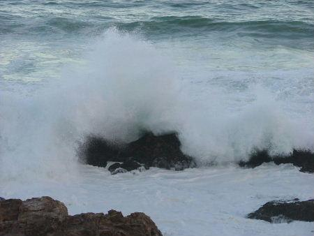 waves splashing