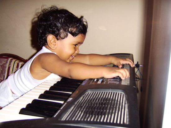 ashlee keyboard 2006 music smile arima