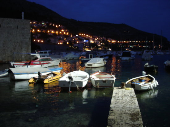 dubrovnik kroatia adriatic blue water sea evening night boats harbour