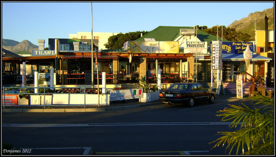 shops restaurants gordonsbay southafrica