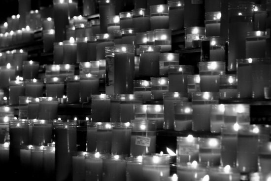 candle candles barcelona cathedral black white 2008
