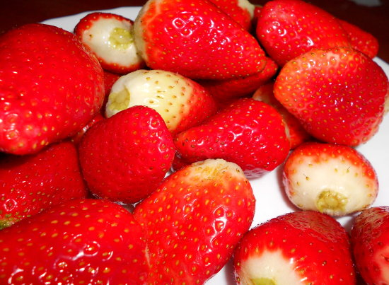 strawberries food red