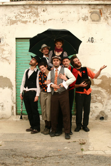 canalla dumbala dmbala dumbalacanalla catala barcelona klezmer gypsy party ball