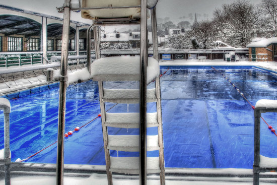 HDR Winter Snow Swimming_Pool