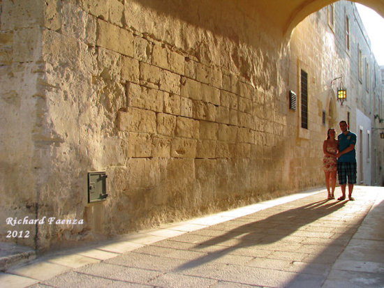shadow mdina couple love malta