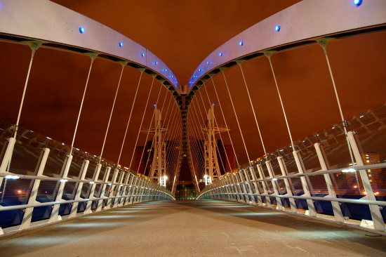 salford quays manchester footbridge
