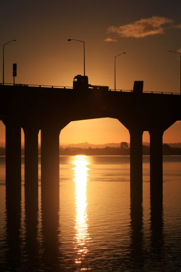 sunrise mangere bridge