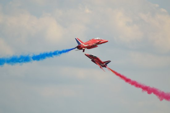 red arrows hawk T1