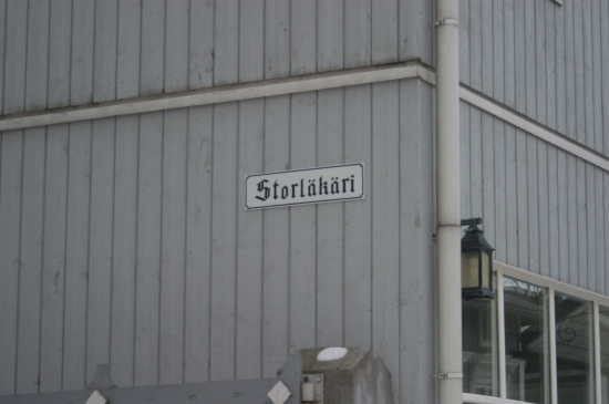 Storl�k�ri. In the old town the buildings have names of their own.