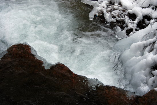 nature water snow flow bubbles river winter