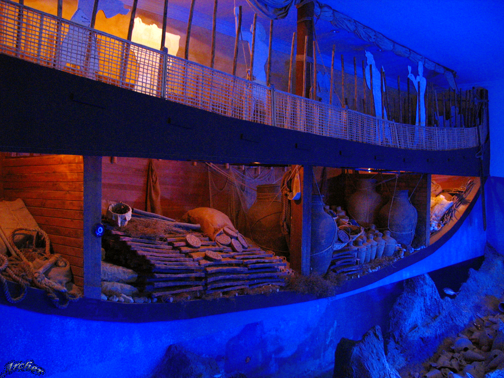 Bodrum Museum of Underwater Archaeology The Uluburun Shipwreck (The oldest sh...
