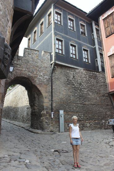 me plovdiv bulgaria home town petzka girl old city