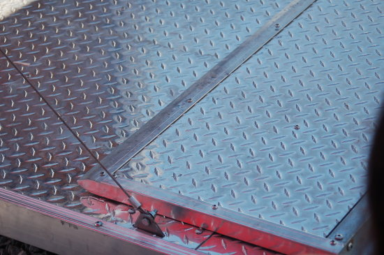 trailer ramp diamond plate