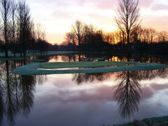flood mersey river water sunrise golf wet flixton
