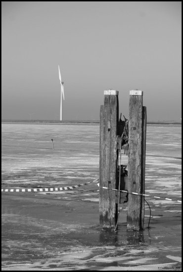 winter 2009 spakenburg ice skating windmills