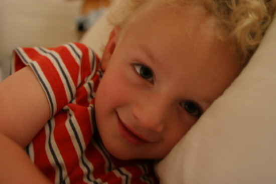 Unfortunately my photo of him is out of focus and badly composed...He is clearly the better photo...