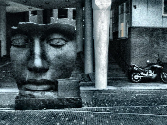 statue thehague holland jolie jeever face stone