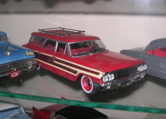 1964 Ford country squire diecast car model 143 scale universal hobbies
