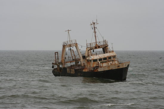 shipwreck ship rust