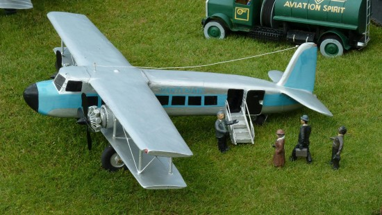 england beaconsfield bekonscot architecture airplanes