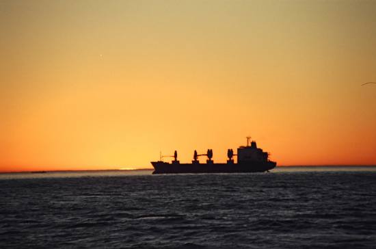 petrol gold sea mar ship tanker sunset barco buque sol ships sailing