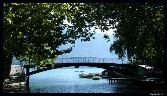 annecy france lake lac bridge