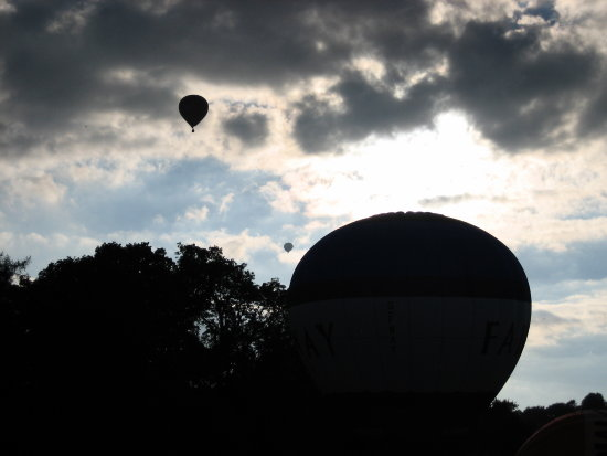 balloons clouds silhouette