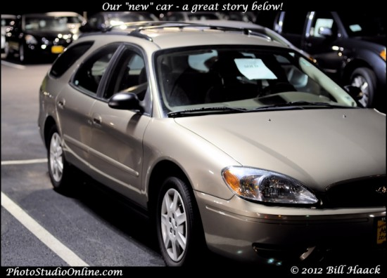 stlouis missouri usa Ford Taurus car 2005 gold YAY 061312