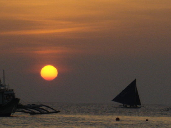 Boracay beach sunset boat