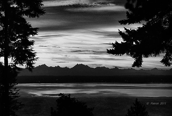 blackandwhite bw HDR Tonemapping sunrise cascade mt range washington state