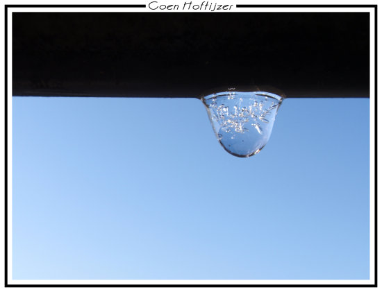 frozen drop water sky blue netherlands CH1988