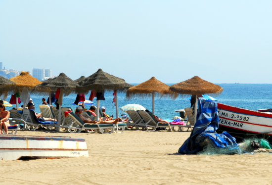 spain beach playa holiday malaga andalucia airport flights cheap summer late