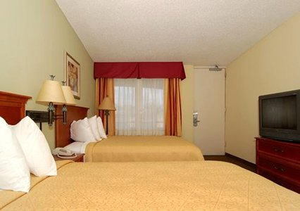 quality inn suites treasure tavern quality inn suites orlando quality inn