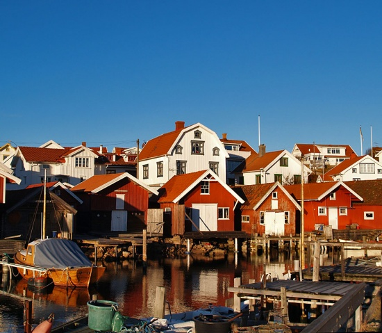 sky sea boathouses houses