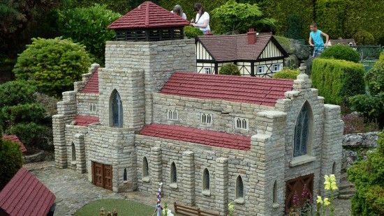 england beaconsfield bekonscot models architecture church