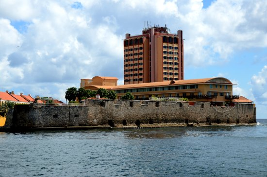 zuiderdam cruise willemstad curacao building hotel fort sea view