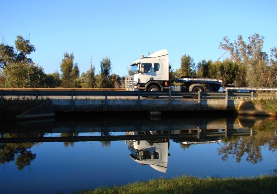 reflectionthursday truck bridge reflection perth hills littleollie