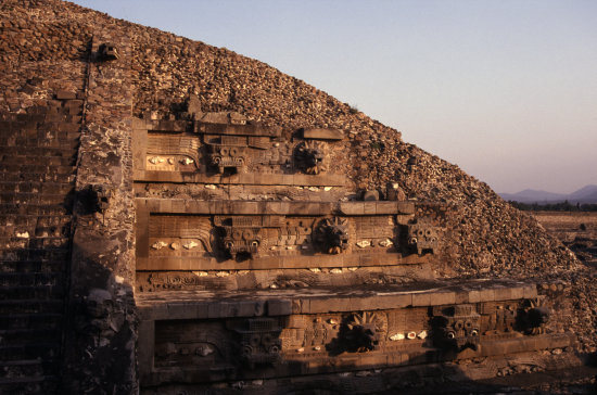 teotihuacan archaeology ruins mexico