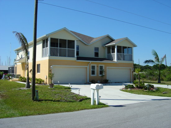 FRONT VIEW OF DUPLEX FLORIDA GULF COAST RENTAL