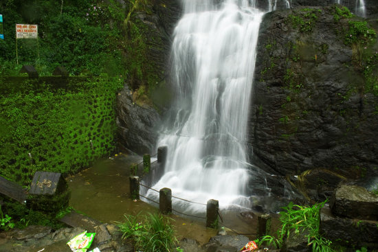 Murinja puzha water fall