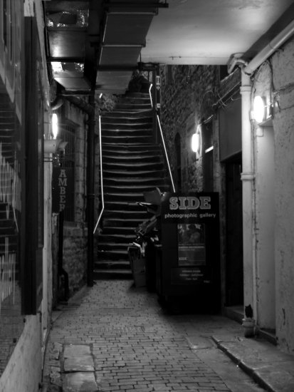 alleyway Newcastle Quayside