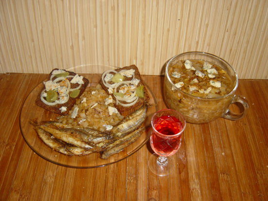 Fried Fish Onion Bread with Blue chese and Onion soop with Blue cheese