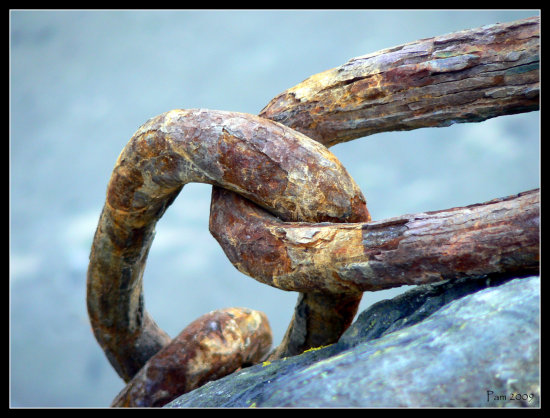 rust chain harbour quay boat anchor